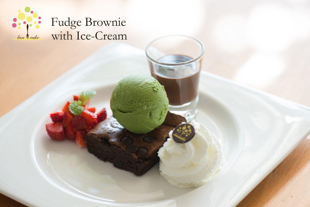 Fudge Brownie with Ice-Cream
